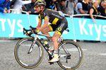 Thomas Voeckler beendete mit seiner Fahrt über die Champs-Elysées seine Karriere. Der Franzose nahm an 15 aufeinanderfolgenden Frankreichrundfahrten teil und gewann dabei vier Etappen und durfte zweimal im gelben Trikot an den Start gehen. Der Radsponsor des Teams Direct-Energie, BH stattete Voeckler mit einem personalisierten silberenen Ultralight aus, das der 38-jährige auch auf der letzten Etappe fuhr. Das Rad schmücken die Daten von Voecklers vier Etappensiegen. (Bild: Sirotti)