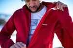 Trailrunning zum fit werden in roter Berghaus Herren Outdoor Jacke