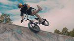 Kriss Kyle ist einer der kreativsten Fahrer ever. In diesem Video für BSD zerlegt er einige schottische Betonparks mit seinem unvergleichlichen Style. Krass!