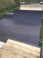 Die überarbeitete Minirampe im Skatepark Lohhof hat einen Speedbump für noch höhere Airs