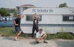 Das Schalke-Mobil stand zum Verkauf in Albanien, Heyja BvB