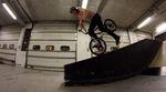Shakka, brah! Anton Arnarson surft in diesem Video auf seinem neuen Rad von Stereo Bikes durch einen Indoorpark auf Island.