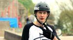 Videobotschaft an den neuen Klamottensponsor aus Sportgarten: Arne Knattert hat seinen Welcome-Edit für Unmac Clothing im Bremer Rampenparadies gefilmt.