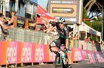 Sam Bennett (Bora-Hansgrohe) gewinnt die 21. Etappe des 101. Giro d