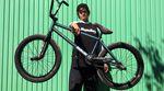 Mark Burnett ist zwar erst 19 Jahre alt, aber schon ein Profi durch und durch. Wir haben uns seinen Excelsior von Sunday Bikes einmal genauer angeschaut.