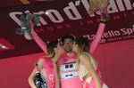 Für Tom Dumoulin war es ein ruhiger Tag - das maglia rosa konnte er sicher ins Ziel bringen (Bild: Sirotti)