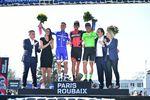 Paris–Roubaix 2017 – Sieger Greg van Avermaet, BMC, Zweiter Zdenk Stybar, Quick-Step Floors und Dritter Sebastian Langeveld, Cannondale Drapac. Foto: ASO/P. Ballet