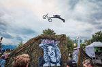 BOOOM! Simon Moratz mit seiner Version des Superman Seatgrabs auf der Trick It Show in Thun (Schweiz); Foto: André Maurer