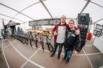 Keiner Wunder, dass die gut gelaunt waren: Björn Heyer (links) und Bodo Hellwig von SIBMX hatten nämlich unter anderem die neue Komplettkollektion von Sunday Bikes im Gepäck