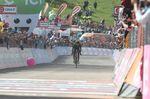 Mit einem souveränen Angriff auf dem Blockhaus zeigte Nairo Quintana (Movistar Team) seine Form (Bild: Sirotti)