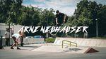 Vitus Neuhauser hat seinen Bruder, den 17-jährigen Arne Neuhauser, ca. 5000 km durch Skateparks in Österreich, Deutschland und Luxemburg begleitet.