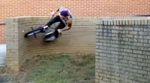 Gute Idee, Spitzentyp: Bei Hoffman Bikes hat man einige der besten Instagram-Clips von Seth Kimbrough zu diesem Video zusammengeschnitten.