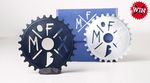 Schick uns ein Foto von deinem kaputten Kettenblatt und wer weiß, vielleicht gewinnst du ja eins von zwei exklusiven DIY Sprockets mit freedombmx-Logo.