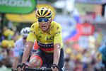 Nach einem langen und heißen Tag brachte Greg Van Avermaet das gelbe Trikot sicher und wohlbehalten ins Ziel. Der Belgiert führt weiterhin im Gesamtklassement. (Foto: © ASO)