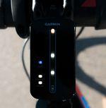 Garmin Varia Fahrradradar – Anzeigeeinheit: Bis zu acht Fahrzeuge kann das Radar erkennen und visuell anzeigen.