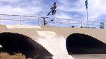 """Was Danny Hickerson in """"Chill Bro"""" von Empire BMX mit seinen Füßen anstellt, ist heute noch genauso verwirrend wie 2008, als das Video rauskam."""