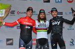 Weltmeister Peter Sagan (Bora-hansgrohe) gewinnt Kuurne-Brüssel-Kuurne vor Jasper Stuyven (links, Trek-Segafredo) und Luke Rowe (rechts, Team Sky), Foto: Sirotti