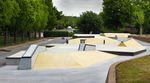 Am kommenden Montag, den 1. Juni 2015, wird im Wolfsburg ein neuer Betonpark eröffnet und den Fotos nach zu urteilen, die uns Camp Ramps von ihrem neusten Streich zugespielt haben, dürfte ein Besuch der sogenannten Skateskulptur im Alleropark nicht nur bei den Locals ganz oben auf der Prioritätenliste stehen.