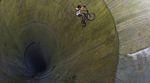 Gregor Podlesny hat eine der wahrscheinlich besten und größten Fullpipes in ganz Europa ausfindig gemacht. Hier ist das Video von einer epischen Session.