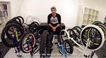 In diesem Video stellt Flo Sailer vom kunstform?! BMX Shop und Mailorder aus Stuttgart einen Teil der 2015er Komplettradlinie von wethepeople vor.