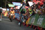 Alejandro Valverde (Movistar) konnte mit dem Angriff von Yates auf dem letzten Anstieg nicht mithalten. Sein Abstand zum roten Trikot vergrößerte sich auf 1:38. (Foto: Sirotti)