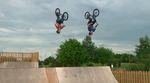 Anthony McGuirk und James Jones haben sich einige Skatepark in Nottingham vorgeknöpft, um diesen Splitedit voller schwindelerregender Rampentricks zu filmen.