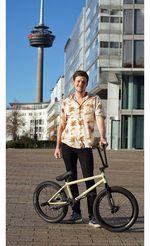 Fabian Bongers ist über SIBMX neu auf Hoffman Bikes und Erigen BMX