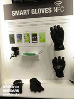 Level Smart-Snowboard-Gloves-NFC-2016-2017-ISPO