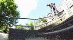 Hier entlang für das Video vom SIBMX X Sunday Bikes Trip nach Berlin mit Mark Burnett, Daniel Portorreal, Miguel Smajli und Markus Reuss.