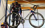 Die Red Bull Crew wird speziell lackierte Bikes für ihr Training bekommen.