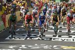 Andre Greipel (Lotto Soudal), Fernando Gaviria (Quick-Step Floors) und Dylan Groenewegen (xxx) sahen sich auf der 11. Etappe der Tour de France gezwungen, das Rennen aufzugeben. (Foto: Sirotti)