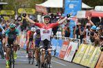 Andre Greipel (Lotto Soudal) holt sich den Tagessieg auf der letzten Etappe der Tour Down Under in Adelaide. (Foto: Sirotti)