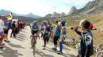 Der Maratona führt die Fahrer über den populären Passo Giau. (Foto: Sirotti)