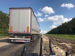 Teils abenteuerliche Pisten stellen Material und Fahrer in Russland auf die Probe.