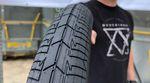 Breit und trotzdem leicht: bei KHEbikes sind die ersten Prototypen der MAC3-Reifen eingetroffen. Hier kannst du einen ersten Blick auf die Dinger werfen.