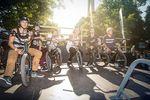 Schwitzen im Schatten des Glücksrades: ein Teil des Starterfelds beim EX&HOP Wheel of Fortune Contest in München
