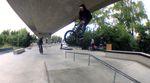 Sven Avemaria und Louis Trieb haben an einem regnerischen Sonntag den neuen Skatepark Friedrichshafen auf seine Wetterfestigkeit getestet.