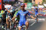 Nancer Bouhanni feiert den Sieg über die 2. Etappe der Vuelta a Espana 2014 (Foto: Sirotti)