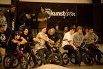 Bevor es rüber ins Zwölfzehn zu den freedombmx Awards ging, fand als letzter Programmpunkt der Stuttpark Session noch die Pro-Klasse statt