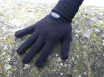 Leichte Handschuhe halten deine Hände warm.