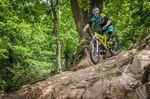 Eine aktive Grundposition ermöglicht dir auch bei höheren Geschwindigkeiten und in technischem Gelände dein Bike zu steuern.
