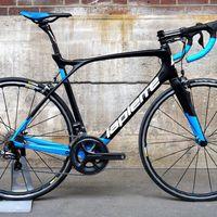 Das Lapierre Xelius SL 700 ist nicht nur ein gutaussehendes und rennfertiges Bike, es bietet zudem ein unübertroffenes Maß an Komfort.