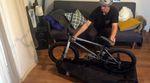In dieser Folge von SIBMX Werkstatt verrät dir Adrian Warnken, wie du dein BMX-Rad kostenlos im Flugzeug oder Zug mitnehmen kannst.
