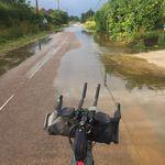 Unterwegs immer wieder überflutete Straßen wegen der starken Regenfälle der letzten Tage.