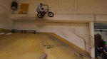 Die Recken von Deepend und fettarmemilch haben mit vereinten Kräften einen BMXmas-Jam in der Skatehalle Wiesbaden organisiert. Mehr dazu im Video.
