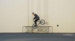 """So geht Freestyle: Erik Elstran hat auch mit der zweiten Folge der """"Selfstran""""-Serie von Sunday Bikes wieder ein kleines Meisterwerk abgeliefert."""