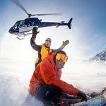 Travis Rice und Victor De Le Rue stimmen sich schon mal für ihren Powder-Run ein. Foto: Tim Zimmermann