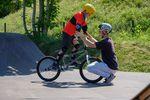 Tricks lernen unter Anleitung beim BMX-Workshop im Skatepark Lohhof