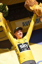 Nach einer kurzen Unterbrechung trägt Froome wieder gelb. Der Titelverteidiger war sehr überrascht mit dem Ergebnis der 14. Etappe. (Foto: Sirotti)