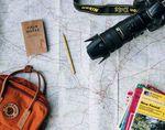 Letzte Reiseinformationen im Flieger zu sammeln sind perfekt, um die Zeit sinnvoll zu nutzen. Foto: Annie Spratt